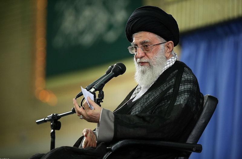 برخی گروههای اسلامی در بعضی کشورها جای دوست و دشمن را اشتباه گرفتند و ضربهاش را خوردند