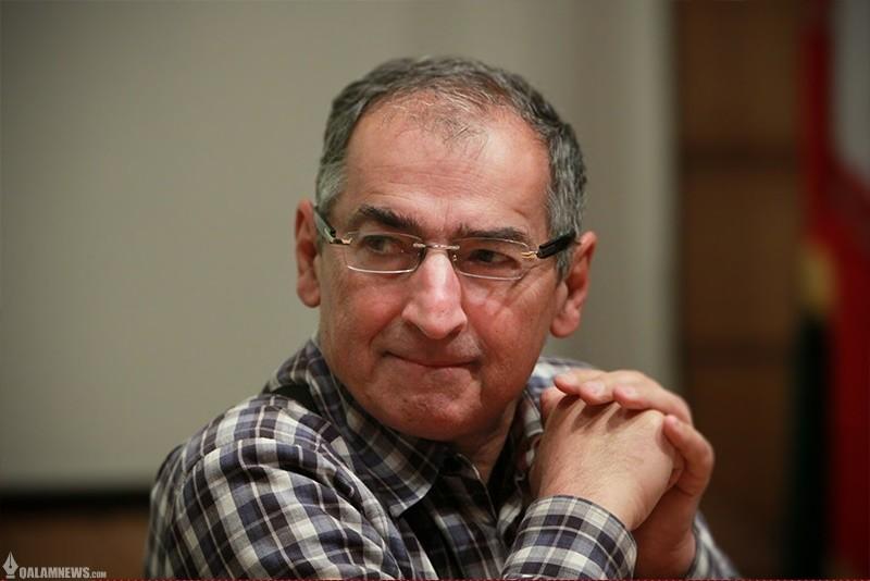 زیباکلام دلیل پایین بودن مطالعه در ایران را گفت/ اساسا ابهام و تردیدی در هیچ حوزهای وجود ندارد!