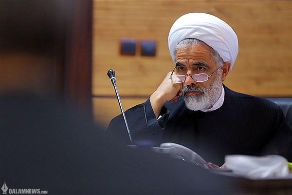 مجید انصاری: سخنان احمدیمقدم کذب محض است/چرا در لباس پاسدار، فضا را مسموم میکنید