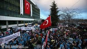 روز شوم آزادی رسانهها در ترکیه؛ در حمله پلیس به روزنامه زمان چه گذشت؟