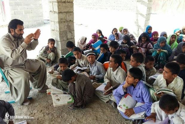 درد آنجایی شدت می گیرد که فقر نادیده گرفته شود/ دبستانی که در لیست آموزش و پرورش نیست+تصاویر