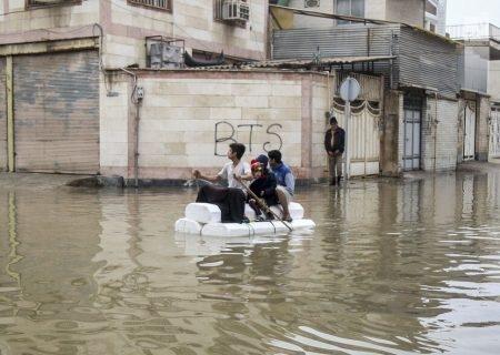 مدیران ناکارآمد چهل سال گذشته اهواز و شهرهای آسیب دیده خوزستان پاسخگو باشند