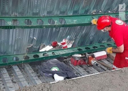 امدادرسانی هلال احمر دماوند در حادثه ریزش آوار/۴نفر محبوس بودند