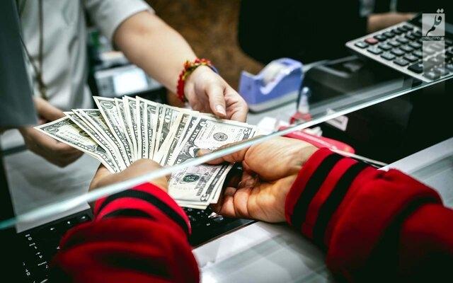 با حذف ارز ۴۲۰۰ تومانی بساط رانت هم جمع می شود