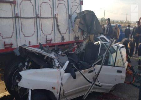 تصادف پراید و کامیون در اتوبان قم ۲ فوتی و ۳ مصدوم بر جای گذاشت