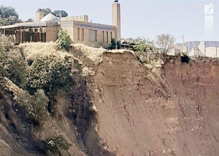 ۲۳ماه غبار غفلت مسئولان برگلزار شهدای معمولان؛ قبور شهدا در آستانه تخریب