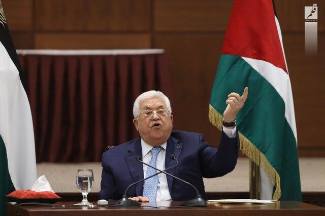 محمود عباس انتخابات را به تعویق انداخت
