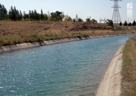 کانالهای آبیاری روباز دشت میناب با لوله جایگزین میشوند