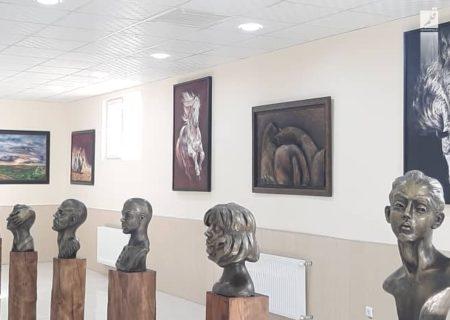 برپایی نمایشگاه سفر زندگی در نگارخانه استاد ذوالفنون آباده