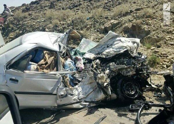 انحراف به چپ خودرو در جاده طبس – یزد پنج کشته برجا گذاشت
