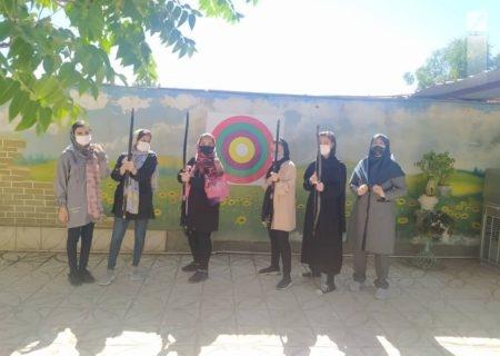 مسابقات تیراندازی با کمان سنتی در سبزوار برگزار شد